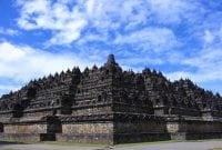 "Contoh Descriptive Text Tentang Tempat Bersejarah ""Candi Borobudur"""