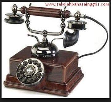 5 Contoh Percakapan Telepon Dalam Bahasa inggris Beserta Artinya