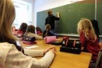 Puisi Tentang Guru Dalam Bahasa Inggris Tentang Guru + Artinya Terbaru