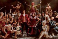 """Cerita tentang Film """"The Greatest Showman"""" Dalam Bahasa Inggris Dan Artinya"""